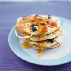 #recipeoftheday has to be fluffy usa stylie pancakes Pile up these with fruit creme fraiche bacon syrup or just good old lemon and sugar…whatever you fancy!! Whats your favourite topping??? Get the recipe on my website xxxx