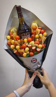 Men Bouquet, Five Senses Gift, Edible Bouquets, Antipasto Platter, Craft Shop, Charcuterie Board, Food Gifts, Gift Baskets, Make It Simple