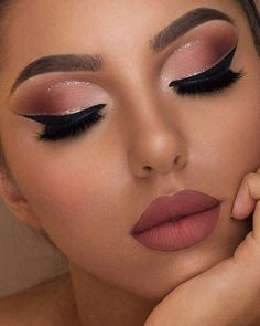 Wow, we're just obsessed with make-up collections by Too Faced! This Sam … – Prom Make-Up Ideas Makeup Eye Looks, Cute Makeup, Gorgeous Makeup, Amazing Makeup, Peach Makeup Look, Sweet 16 Makeup, Light Eye Makeup, Soft Eye Makeup, Party Makeup Looks