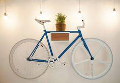 TÎAN – weiß & Eiche von MIKILI – Bicycle Furniture www.mikili.de