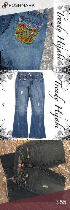 """TRUE RELIGION """"Joey"""" Jeans Buddha Back 28' In. Boot leg cut Low rise waist Medium wash Dark Blue Solid Embroidered detail This brand may run small Measurements 28"""" Inseam Materials 100% Cotton True Religion Jeans Boot Cut"""
