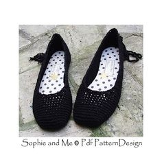 Plain Ballerina Flats in black with fabric covered insoles. Crochet pattern in 4 sizes