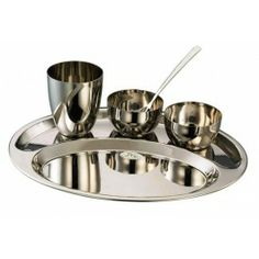 Enjoy a traditional meal with your family with the oval thali set. Gleaming glossily, this oval thali set will make sharing a meal with your. Dining Products, Stainless Steel Kitchen, Dinnerware Sets, Food Grade, Meal, It Is Finished, Strong, Traditional, Mirror