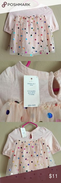 NWT baby gap dress✨ NWT. Dress and bloomers attached under the dress! Make an offer! 👶💗 GAP Dresses