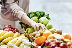 don't forget to travel to the local market to grab a handful of enriching food. Healthy Kids, Healthy Eating, Visit Munich, Eating Well, Farmers Market, Potato Salad, Menu, Fresh, Ethnic Recipes