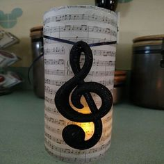 Music Centerpieces, Music Notes Decorations, Party Centerpieces, Birthday Decorations, Wedding Decorations, Music Theme Birthday, Music Themed Parties, Sheet Music Crafts, Party Themes
