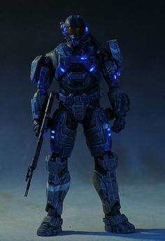 Michael's 'Captain Toy' review of 3A's Toys Carter figure from Halo Reach... Its amazing and has fiberoptic lighting as well! 1/6 scale and about $200 USD. http://www.mwctoys.com/REVIEW_051313a.htm