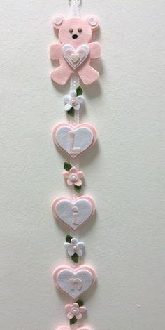 Ciao a tutte e ben ritrovate! Non c'è momento più bello di quello che segna l'inizio di una vita e per me è sempre un piacere preparare qua... Valentine Crafts For Kids, Baby Crafts, Felt Crafts, Diy Crafts Hacks, Diy Arts And Crafts, Diy Leather Bows, Felt Ornaments Patterns, Cool Paper Crafts, Bookmarks Kids
