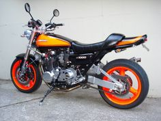 Muscle Bikes - Page 28 - Custom Fighters - Custom Streetfighter Motorcycle Forum Kawasaki 900, Kawasaki Bikes, Motorcycle Baby, Street Fighter Motorcycle, Ride 2, Touring Bike, Suzuki Gsx, Honda Cb, Classic Bikes
