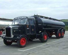 Scammell. Fuel Truck, Train Truck, Vintage Trucks, Old Trucks, Old Lorries, Heavy Truck, Watford, Commercial Vehicle, Classic Trucks