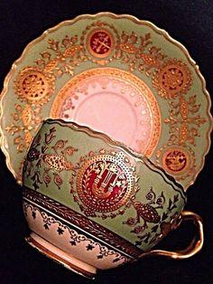 gorgeous Cups & Saucers: Coalport https://www.pinterest.com/lahana/mugs-cups-and-drinkware/