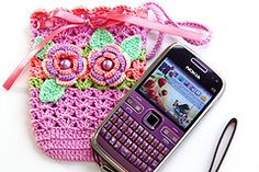 Crochet purse/phone cover- need for my new phone! Crochet Sachet, Crochet Case, Crochet Phone Cases, Crochet Purses, Love Crochet, Crochet For Kids, Crochet Flowers, Knit Crochet, Crochet Stitches Patterns