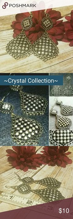"""*NEW* CRYSTAL COLLECTION DROP EARRINGS These decorative drop earrings measure about 3.5"""" in length and are ma Item#E229 Jewelry Earrings"""
