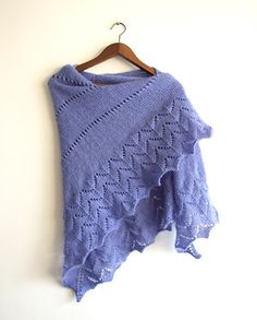 free pattern Simplicity Triangle Shawl by Amadeit