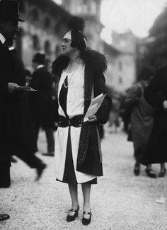 You will never have to wear an outfit that looks like the costume from your 7th grade Shakespeare production. | 12 Fashion Statements Of The '20s You'll Never Have To Make