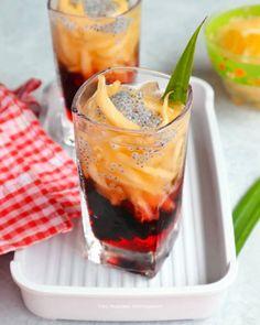 Resep minuman segar untuk buka puasa © 2020  Instagram/@banususanto ; Instagram/@dellasuzura Jamun Recipe, Indonesian Food, Dessert Drinks, Deserts, Beverages, Food And Drink, Menu, Cooking Recipes, Pudding