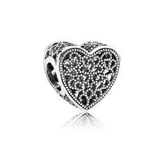 Give her your heart this #ValentinesDay #PANDORACharrm