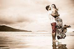 Adriana & Fernando, um casal especial e apaixonados... Quem os conhece, simplesmente sabe do amor existente entre eles, e se há amor, há fotos simplesmente lindas! Assim foi nosso Pré-Wedding, cheio de amor, risadas, e fotos lindas! Confira algumas destas fotos...  Mais do nosso trabalho: www.FABIOBUENOFOTOGRAFIA.com