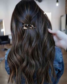 Entering this 'Cinnamon Dolce' into the  packs of for the winnn 🏆 Photo Credit: Shot Hair Styles, Long Hair Styles, Cinnamon Dolce, Aqua Hair, Love Your Hair, Dark Roast, Grow Out, Hair Transformation, Latest Updates