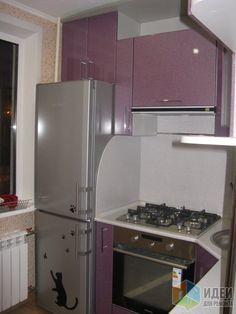Кухня размером 2,5*2,0. Квартира 2-ая хрущевка с раздельными комнатами. Ремонт состоял из: заменили окно. постелили пол (ОСБ+ленолиум), заменили батарею (была чугунная 3 секции), установили газовый счетчик, перенесли колонку, подшили потолок...