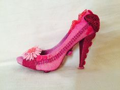 Pink passion is in fashion! Krewe of Muses glitter shoe. 2016.