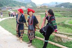 Sapa trekking tour on Trails to villages, water falls 3 days/4 nights