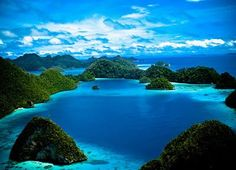 raja ampat islands, west papua, indonesia Places Around The World, Around The Worlds, Raja Ampat Islands, New District, West Papua, Paradise Island, Future Travel, Asia Travel, Beach Travel