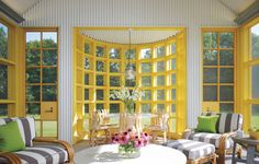 Find home décor inspiration at Architectural Digest. Everything you'll need to design each and every room in your house, from the kitchen to the master suite. Architectural Digest, Conservatory Design, Enclosed Porches, Modern Country, Country Living, Glass Garden, Mellow Yellow, Gray Yellow, Interiores Design