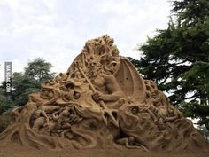 The guy who did the Dante's Inferno sand sculpture just finished a new masterpiece in Italy...Hell.