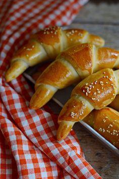 Egyszerű bögrés sós kifli | Rupáner-konyha Pretzel Bites, Pasta Recipes, Health Fitness, Favorite Recipes, Bread, Baking, Cake, Food, Kitchens