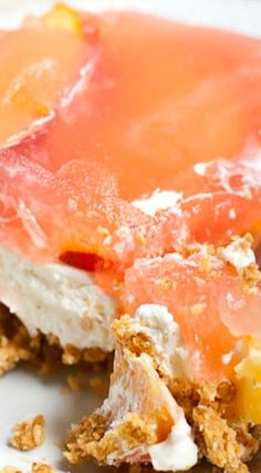 3 layers of graham crackers, cheesecake mousse, and fresh peach Jello form this delicious no bake Peach Delight. Jello Desserts, Strawberry Desserts, Summer Desserts, No Bake Desserts, Easy Desserts, Delicious Desserts, Jello Salads, Peach Pie Recipes, Fruit Recipes