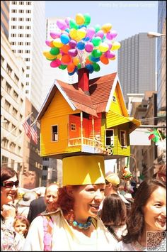 27. Up! - The #Eggstraordinary Millinery #Creations of the New York Easter #Parade ... → #Lifestyle #Crazy
