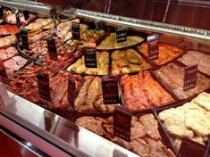 New meat shop layout Ideas Meat Sauce Recipes, Meat Loaf Recipe Easy, Butcher Store, Carnicerias Ideas, Bacon Donut, Meat Store, Meat Restaurant, Meat Markets, Meat Appetizers