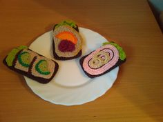 Crocheted open-faced sandwiches: Hæklet legemad: Hæklet rugbrød