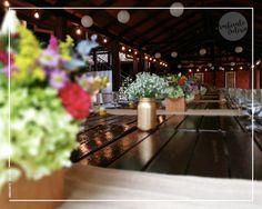 Mucho color y textura para una mesa muuuy larga!