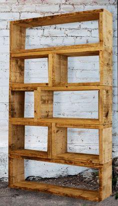 Bücherregal aus europaletten  Bücherregale - Bücherregal aus altem Bauholz -Regal 200 x 200 ...