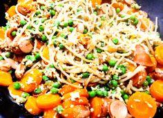 Mischgemüse mit Dinkelspaghetti, Geflügelwiener und Rührei