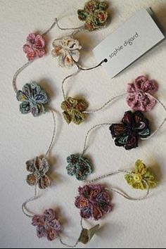 Luccello - SOPHIE DIGARD: EMBROIDERED FLOWER NECKLACE