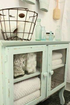 Love this look from Coastal Farmhouse.