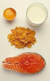Algunos alimentos ricos en vitamina D. Aporte adicional de vitamina D. Recomendaciones para una dieta con la cantidad necesaria de vitamina D diaria recomendada.