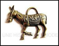 #breloque #charms #âne #bijoux #pendentif Bronze, Dimensions, Pendant, Creative Crafts, Animaux, Color, Shape, Lingerie