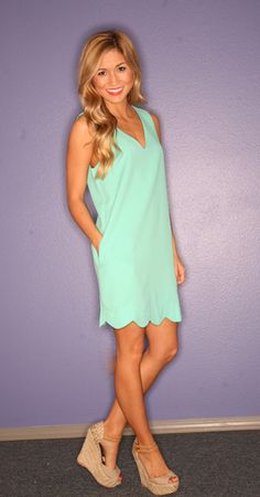 I am obsessed with scalloped clothing! Love this dress!