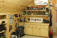 77+ Garage Woodworking Shop Ideas - Best Furniture Gallery Check more at http://glennbeckreport.com/garage-woodworking-shop-ideas/