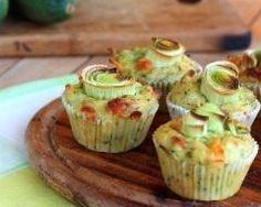 Muffins aux poireaux et au chèvre : http://www.cuisineaz.com/recettes/muffins-aux-poireaux-et-au-chevre-65339.aspx