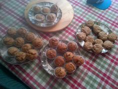 Lemon raspberry, carrot and peanut butter chocolate chip muffins. All low calorie and dairy free! Carrots And Peanut Butter, Chocolate Chip Muffins, Healthy Treats, Dairy Free, Raspberry, Almond, Baking, Breakfast, Food
