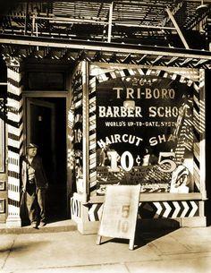 Berenice Abbott-Changing New York Barber School, 264 Bowery, Manhattan, October 1935 Berenice Abbott, Vintage Photographs, Vintage Photos, Vintage Signs, Barber School, Shops, Boro, The Good Old Days, Man Ray