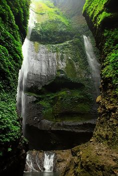 mayan cave Tourisme is an important step for people's understanding