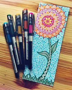it's raining here in Pittsburgh, so here is a flower #zentangle #zenspire #zenspiredesigns ☔️
