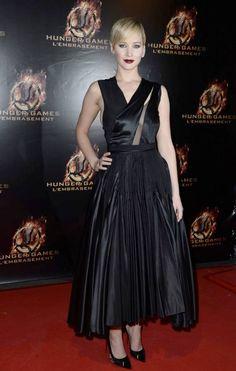 Jennifer Lawrence en Dior à l'avant première de Hunger Games à Paris.