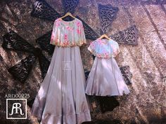 Mom and baby cape combo Mommy Daughter Dresses, Mom And Daughter Matching, Mother Daughter Fashion, Mom Daughter, Indian Gowns, Indian Attire, Pakistani Dresses, Indian Outfits, Indian Wear